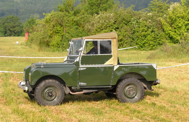 Weltrekord in Bad Kissingen: 632 Land Rover. Foto: Auto-Medienportal.Net/Jaguar Land Rover/Gerhard Prien