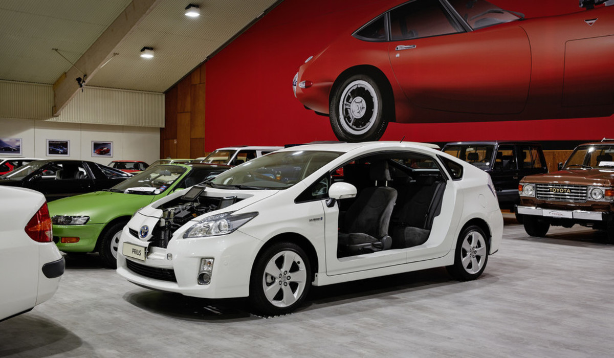 Schnittmodell des Prius III in der Toyota Collection. Foto: Auto-Medienportal.Net/Toyota