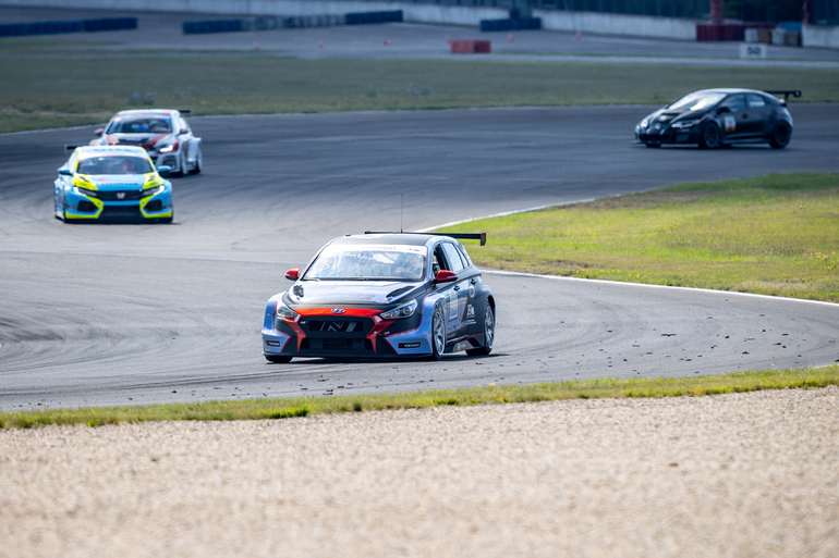 TCR Germany: Alle jagen Hyundai